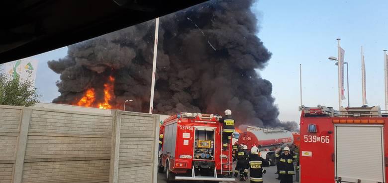 Płonie zakład recyklingu w Myszkowie