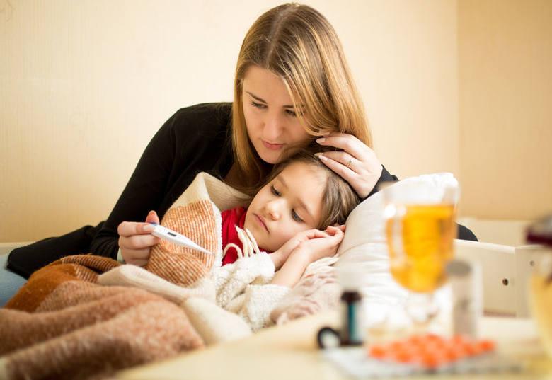 Szkarlatyna, nazywana również płonicą, jest jedną z najpowszechniejszych chorób zakaźnych wieku dziecięcego, chociaż dotyka ona również osoby dorosłe.