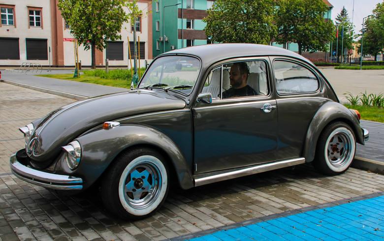 Auto z 1965 roku prezentuje się niesamowicie, choć jak przyznaje sam właściciel - ma swoje kaprysy