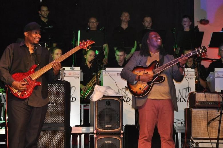 Ponad 400 osób przyjechało w tym roku do Olesna na XI Jazzobranie. - Widzę na widowni wiele nowych twarzy, bardzo się ciesze, że nowi słuchacze przyjechali