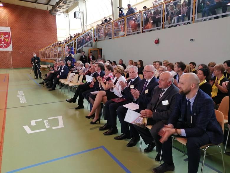 Szkoła w Kleszczewie przyjęła za patrona Walczących o Niepodległość.