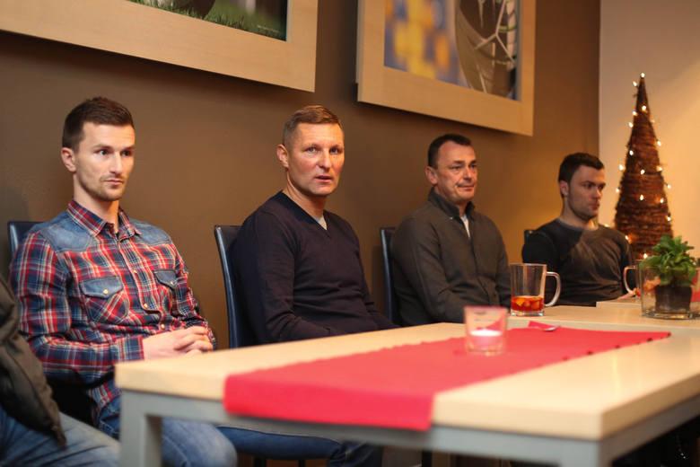Przedstawiciele Arki Gdynia spotkali się z kibicami. Prezes odpowiadał na trudne pytania [ZDJĘCIA]