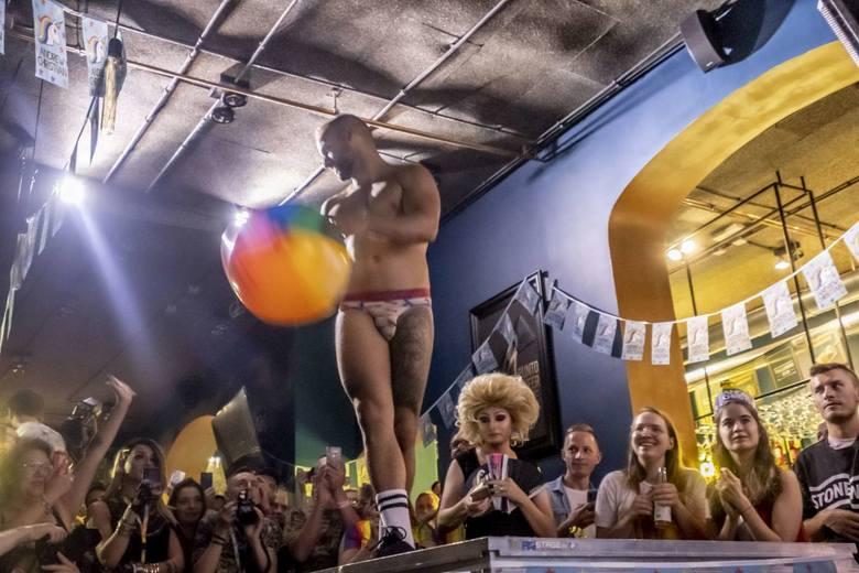 W sobotni wieczór w klubie Punto Punto odbyła się gala finałowa wyborów Mr Gay Poland 2019. Gejem roku został wybrany Marek.Zobacz więcej zdjęć ----