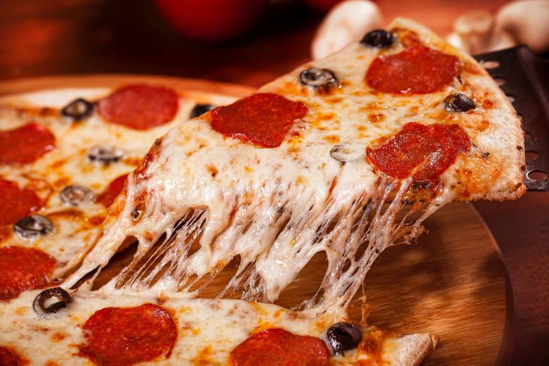 Dziś Międzynarodowy Dzień Pizzy.  Najpopularniejsza capricciosa, ulubiony dodatek - pieczarki