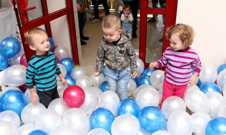 45 miejsc dla najmłodszych dzieci, w wieku do do lat 3 powstało w pierwszym w Ustrzykach Dolnych żłobku. W środę placówka została uroczyście otwarta.