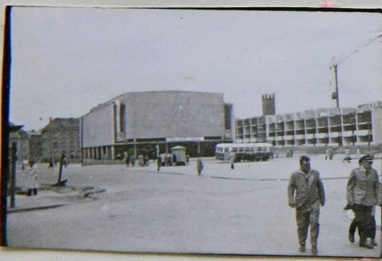 Początek lat 60-tych i budowa bloku przy ul. Grodzkiej 1.