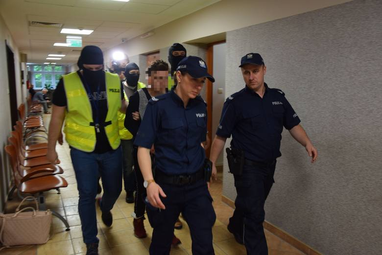GORZÓW WLKP. Posiedzenie aresztowe dla 24-letniego mężczyzny, który zgwałcił i uwięził 9-latkę. Co zdecydował Sąd Rejonowy w Gorzowie?