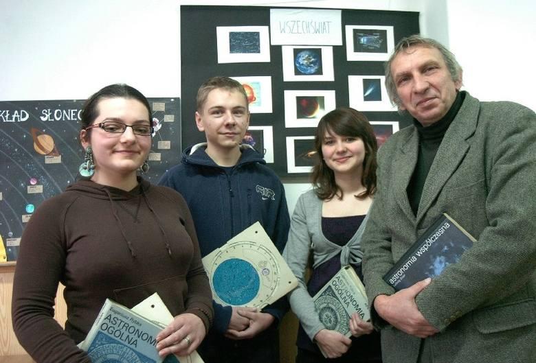 Jeszcze w tym roku młodzież będzie mogła korzystać z obserwatorium, teraz astronomii uczą się głównie z książek i internetu