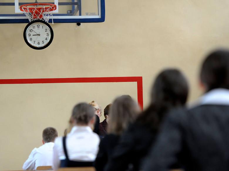 Egzamin gimnazjalny 2012: język niemiecki, arkusze i odpowiedzi [poziom podstawowy i rozszerzony]