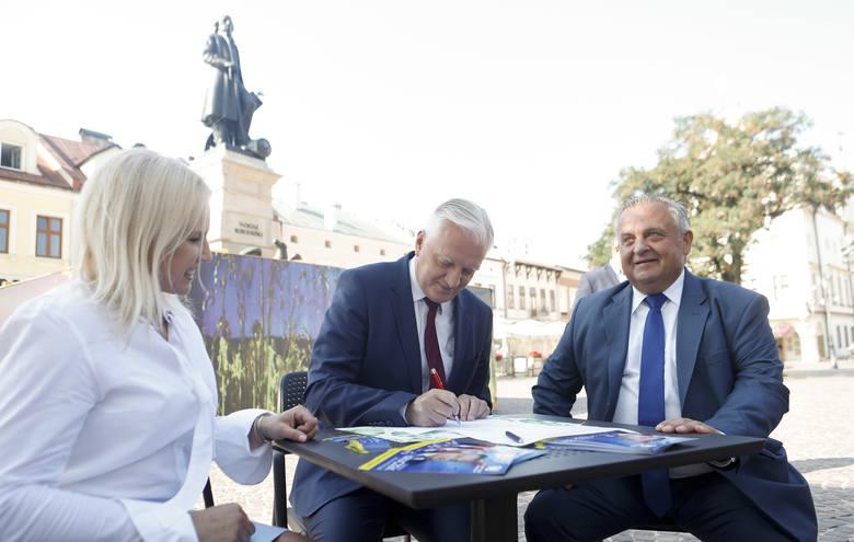 Jarosław Gowin przedstawił kandydatów Porozumienia w październikowych wyborach parlamentarnych.