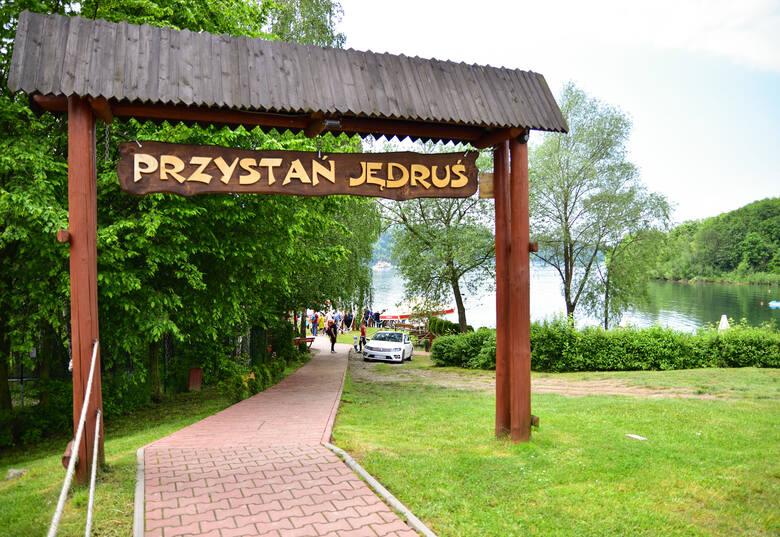 Rejsy gondolami pomiędzy zamkami Czorsztyn i Niedzica