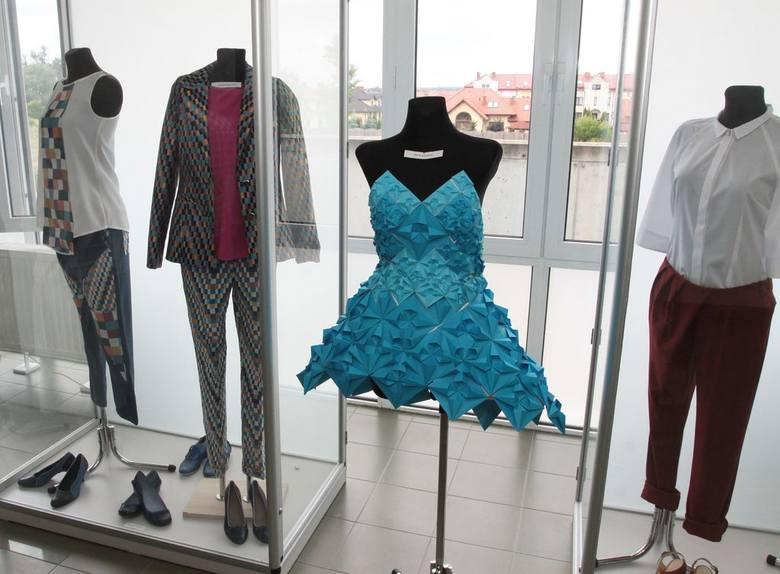 Wystawa niecodziennych ubiorów studentów uniwersytetu w Radomiu (wideo, zdjęcia)