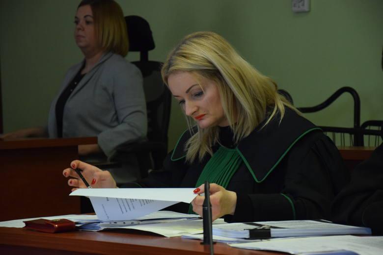 - Moja klientka wciąż dostaje tylko 854 zł emerytury - mówi mecenas Anna Wichlińska. SKO zaskarżyło decyzję sądu.