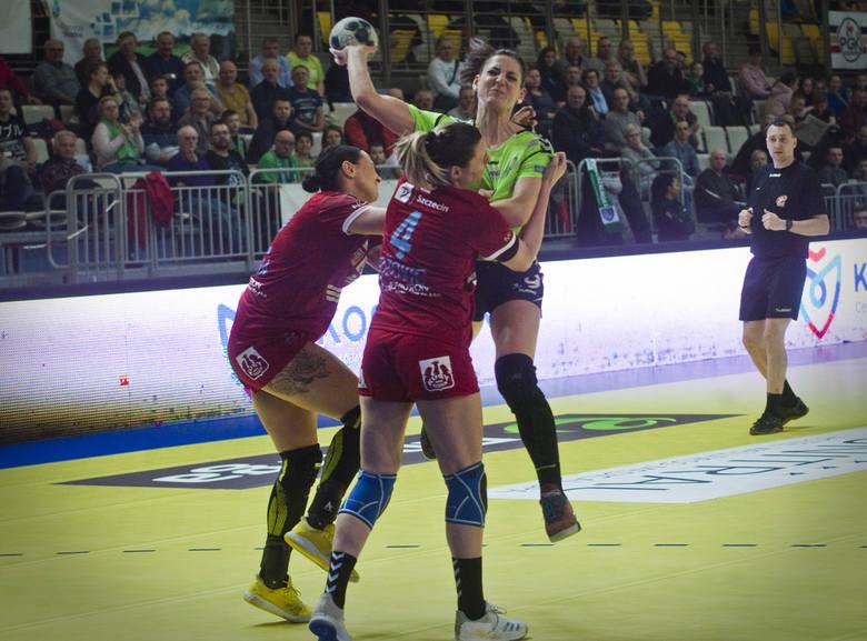 Mecz Energa AZS Koszalin - SPR Pogoń Szczecin zakończył się wynikiem  32:26. Energa AZS Koszalin - SPR Pogoń Szczecin 32:26 (17:15)Energa AZS: Sach,