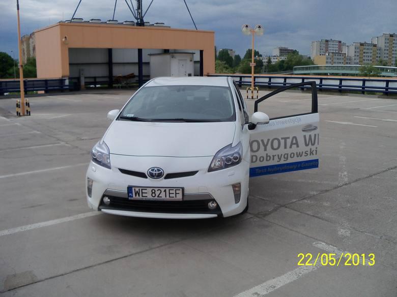 Hybrydowy Wrocław: Testujemy toyotę prius plug in. Możesz ją dostać na weekend!