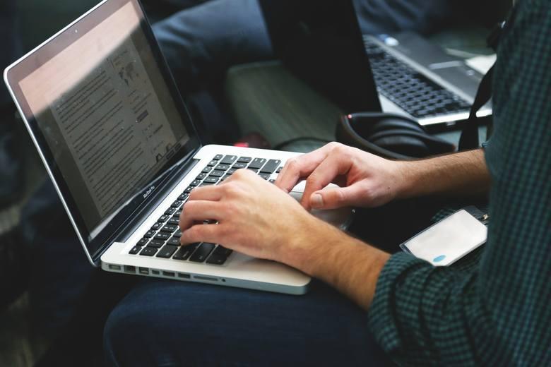 Podanie o podwyżkę najlepiej napisać na komputerze