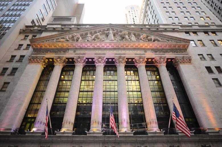 Oburzeni okupują Wall Street w Nowym Jorku od dwóch miesięcy.