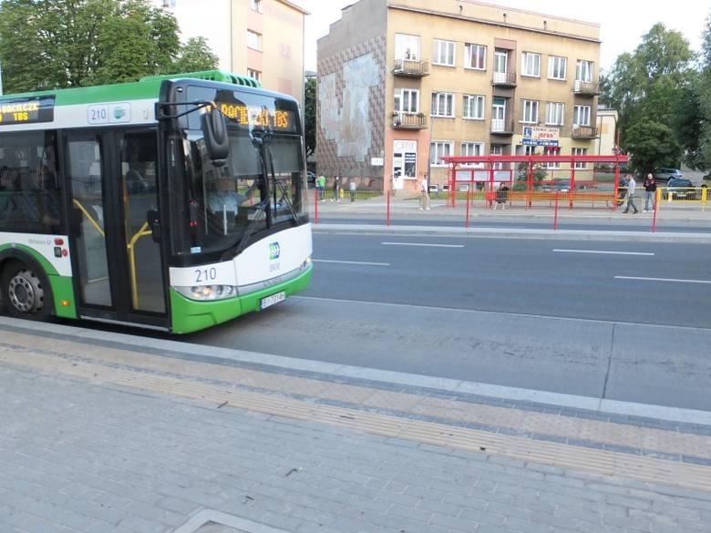 Od poniedziałku trzy linie 200, 201 i 202  dowożą mieszkańców do przystanku linii 104 w Juchnowcu Kościelnym
