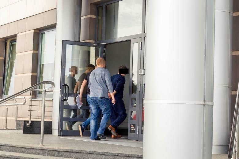 Bomba w pasażu przy ul. Warszawskiej. Administrator pasażu podejrzany ws. podłożenia bomby w jego biurze