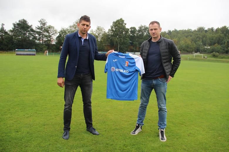 Nasz klub piłkarski pozyskał nowych sponsorów. Wierna Małogoszcz podpisała umowy z kilkoma firmami [ZDJĘCIA]
