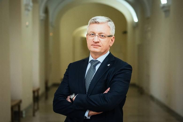 Jacek Jaśkowiak prezydent Poznania od 2014 roku. Urodził się w Poznaniu. Ukończył prawo na UAM, był stypendystą GFPS na Uniwersytecie w Bielefeld. W latach 90. pracował, jako dyrektor do spraw handlowych w firmie Kulczyk Tradex. W 1997 roku został właścicielem firmy, zajmującej się doradztwem...