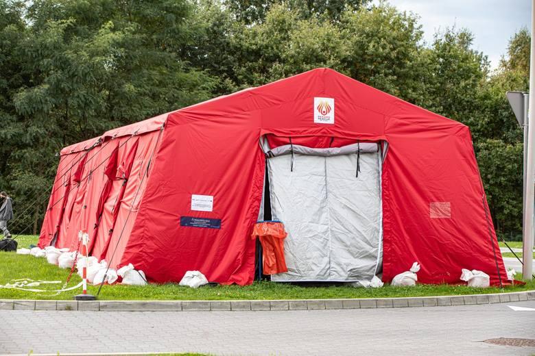 Powiat bocheński, 612 zachorowań, współczynnik zachorowań z 2 tygodni (stan na 13 października) - 12,01Które miasta i powiaty są najbardziej zakażone