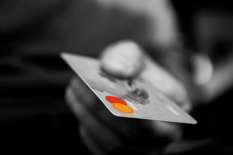 14 września dla klientów banków wejdą duże zmiany. Mogą to wykorzystać oszuści - ostrzega KNF