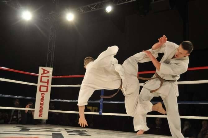 Za nami III Gala Karate Kyokushinkai w Szczecinku. Widzowie mieli okazję obejrzeć kilka niezłych walk.