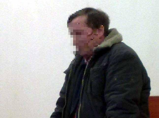 Andrzej K. stanął dziś przed sądem. Grożą trzy lata więzienia. Twierdzi, że to policja była agresywna. Że mundurowi ubliżali mu, a potem potraktowali