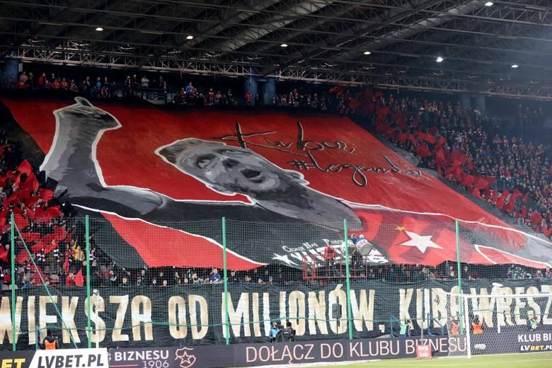 Na zakończenie 22. kolejki Lotto Ekstraklasy Wisła Kraków pokonała Śląsk Wrocław 1:0 (1:0 ). Zwycięstwo Wiśle dał  Jakub Błaszczykowski (40-k.). Kibice