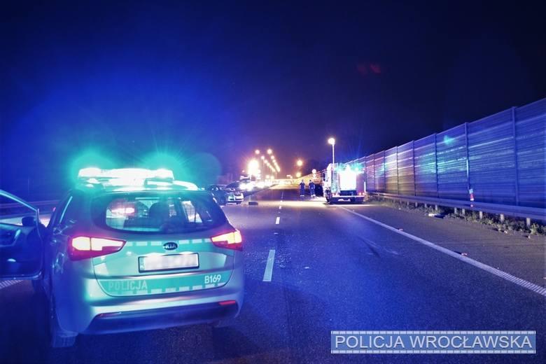 W niedzielę przed godziną 19:00 doszło na podwrocławskim odcinku autostrady A4 do tragicznego zdarzenia drogowego. Na 155 kilometrze autostrady w kierunku