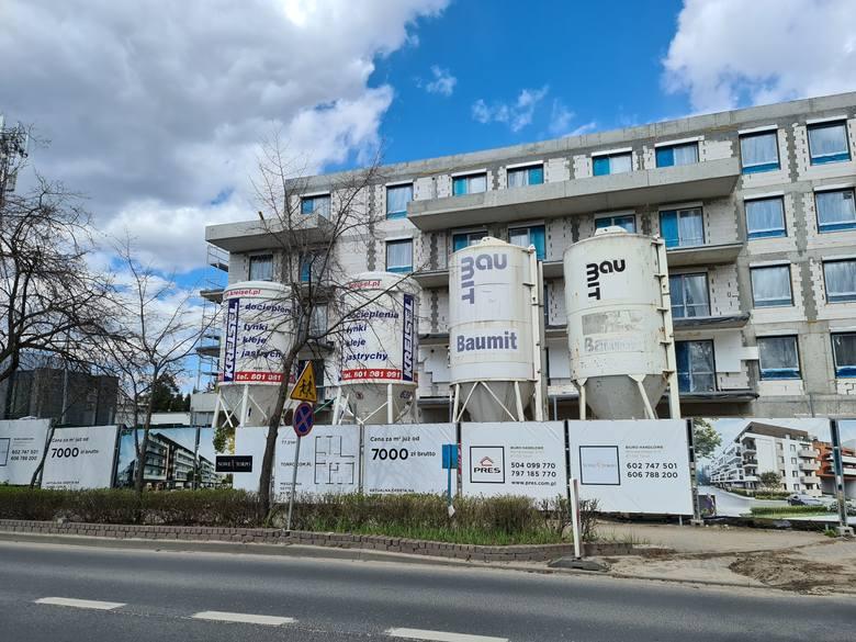 W Toruniu powstają nowe zamknięte osiedla. Czy warto się grodzić?