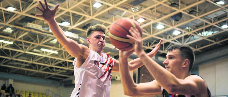 Coraz słabsza postawa koszykarzy Czarnych Słupsk w I lidze