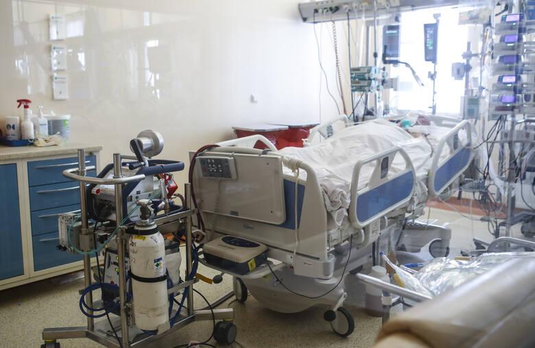 W sytuacji kiedy płuca pacjentów nie są w stanie same pracować, nawet przy pomocy respiratora jedynym sposobem uratowania chorego jest podłączenie go