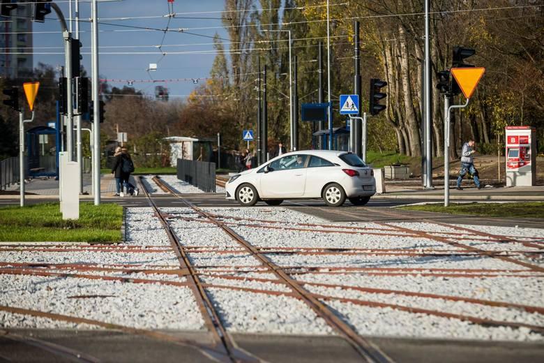 12 grudnia po ponad rocznej przerwie na ul. Szarych Szeregów wrócą tramwaje. Już w najbliższą niedzielę (8 grudnia) Zarząd Dróg Miejskich i Komunikacji