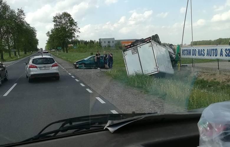 W poniedziałek, przed godz. 15, podlascy strażacy otrzymali zgłoszenie o zderzeniu dwóch aut na krajowej dziewiętnastce przy skręcie do Kurian.