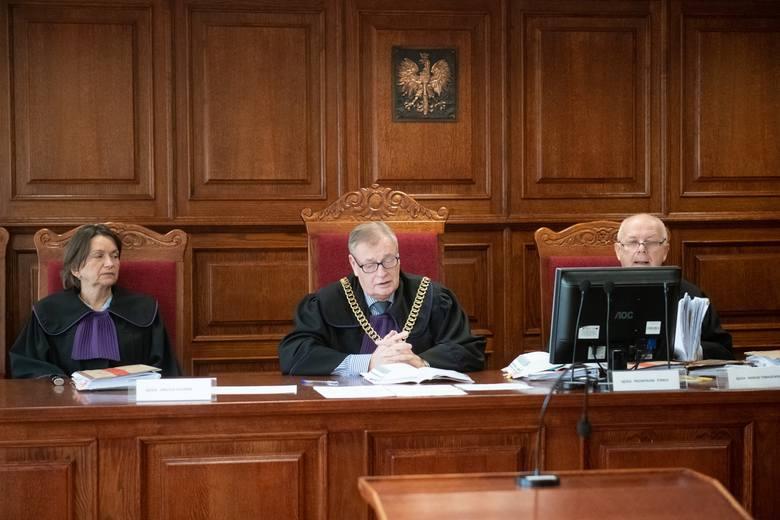 """Poznański Sąd Apelacyjny zajmował się sprawą gangu """"Westerna"""", która w znacznej mierze była oparta na wersji """"Ramzesa"""". Sąd uniewinnił oskarżonych w wątku dotyczącym przejęcia dyskoteki w Opalenicy."""