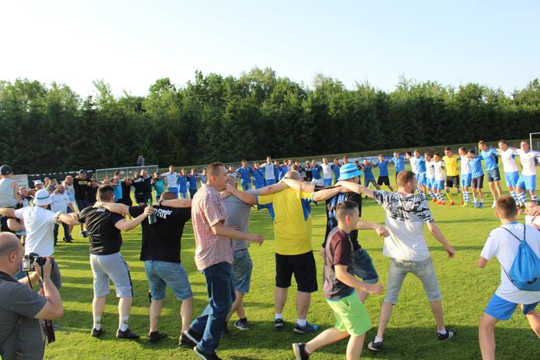 Razem ze zdobywcami pucharu cieszyli się też zawodnicy, którzy nie znaleźli się w kadrze meczowej, ale przyjechali do Kalwarii