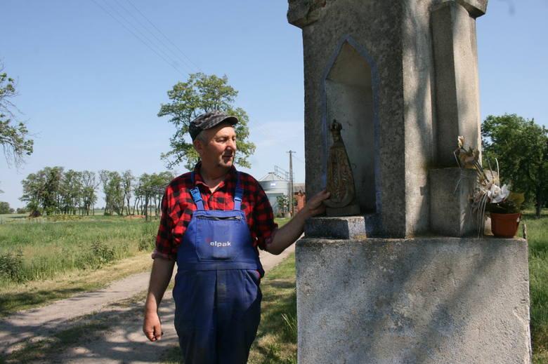 Aktualny stan dworu w Rogalinie - stary dwór potrzebuje remontu.