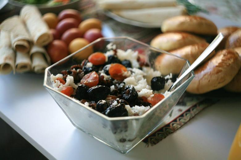 Ormiańska Wielkanoc: Ryż z owocami w każdym regionie Armenii serwuje się inaczej.