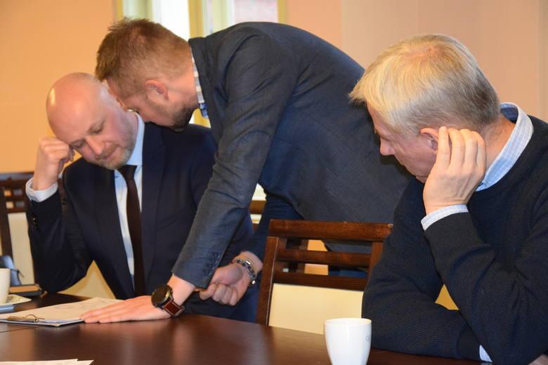 """Do 11 lutego można zgłaszać się do udziału w programie """"Bon inwestycyjny"""". Do podziału jest 5 mln zł. Przedsiębiorcy mogą zyskać aż 100 tysięcy złotych."""