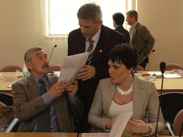 Jan Kozyra (z lewej) jest od dwóch kadencji w radzie miejskiej. Reprezentuje PiS. Po prawej dwoje działaczy tej organizacji: radna miejska Urszula Tracz-Borgul