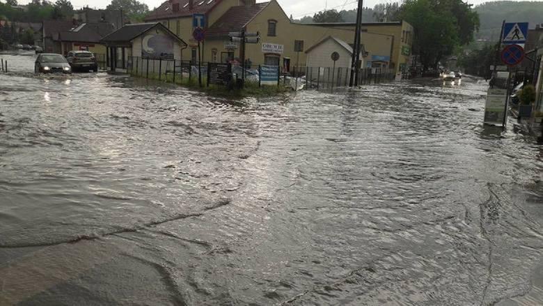 Tak wygląda centrum Wieliczki po nawałnicach i mocnych ulewach. Takie zagrożenia ma zminimalizować program ochrony miasta przed powodzią. W ramach inwestycji