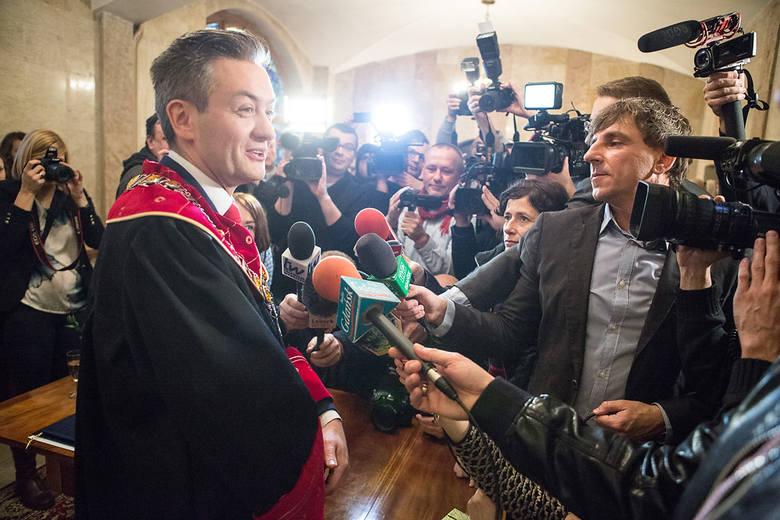 Prezydent Biedroń udzielił pierwszego ślubu