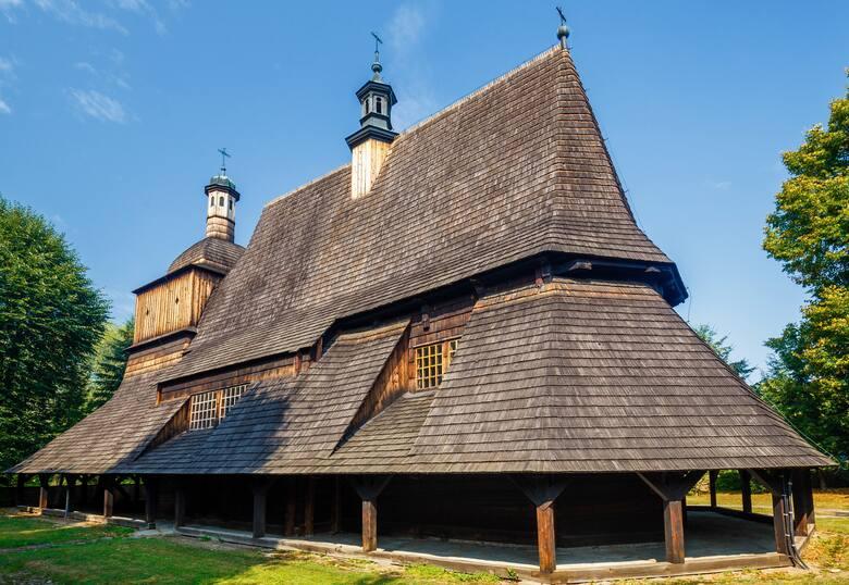 Piękna świątynia św. św. Filipa i Jakuba w Sękowej została wpisana na Listę Światowego Dziedzictwa UNESCO