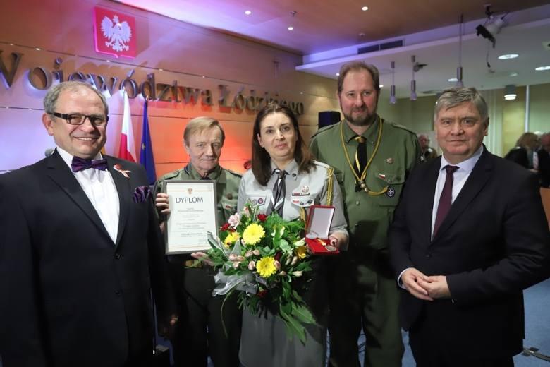 Zasłużeni dla województwa łódzkiego. Wręczono cztery odznaki
