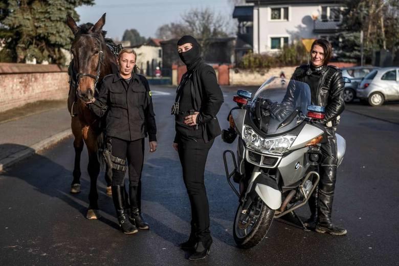 Policjantki nie biją pałą, ale mogą zadrapać