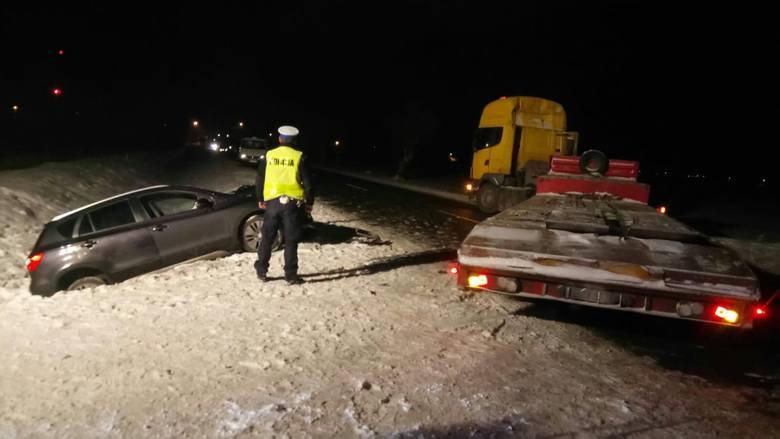 W czwartek, przed godz. 17, na drodze krajowej nr 61 na wysokości miejscowości Miastkowo doszło do wypadku.