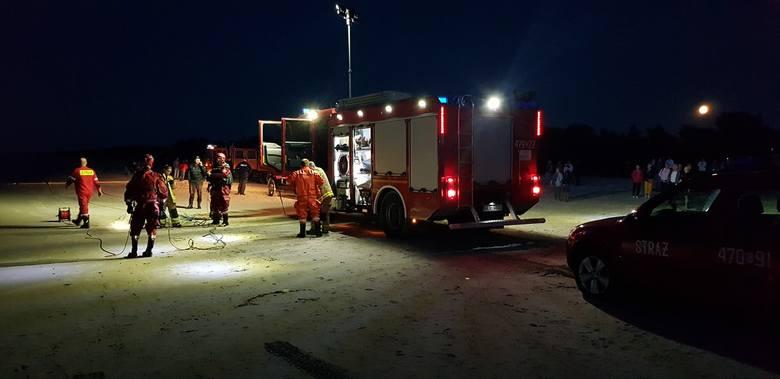O zdarzeniu pisaliśmy wczoraj (środa 11.09). Około godziny 18 służby zostały poinformowane o mężczyźnie, który miał topić się w morzu w Łebie. Mężczyznę