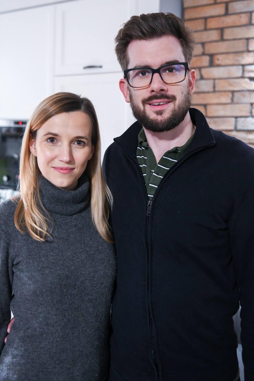 Matthew Harris od kilku lat mieszka w Polsce ze swoją żoną Anną i dziećmi. Teraz musi walczyć o odzyskanie niewinności po tym, jak został pomylony z